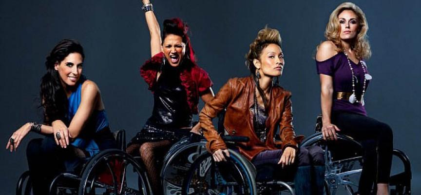 Una línea de ropa diseñada específicamente para personas en silla de ruedas