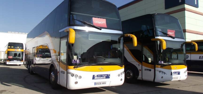Monbus ofrece empleo a conductores de autobuses, administrativos o recepcionistas