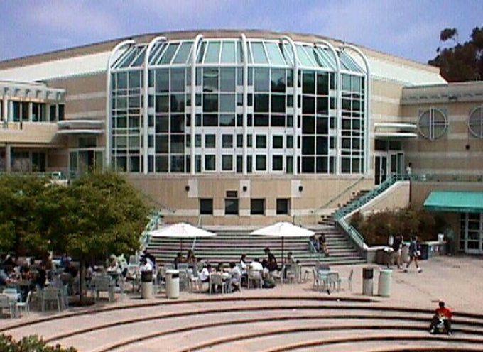 Universidades de California donde podemos encontrar trabajo