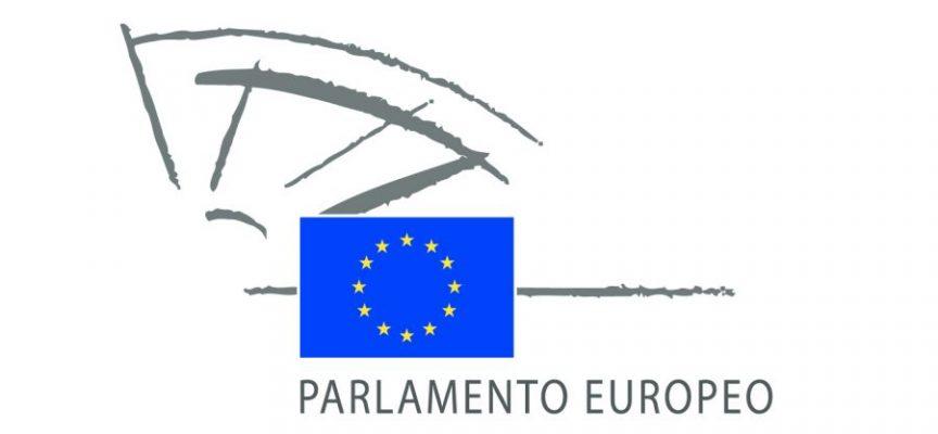 Becas para realizar prácticas en el Parlamento Europeo, dirigida a universitarios en general y a periodistas – 15 de octubre