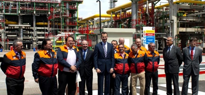 Repsol reforzará su plantilla de Cartagena con 800 personas para una parada técnica