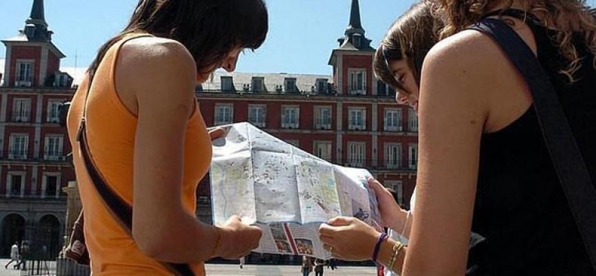 Oferta de empleo para recién titulados como informadores turísticos en Madrid