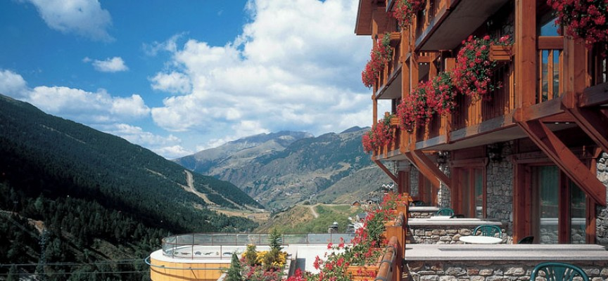 Un Hotel esta seleccionando personal para Andorra. Hasta el 15 de noviembre