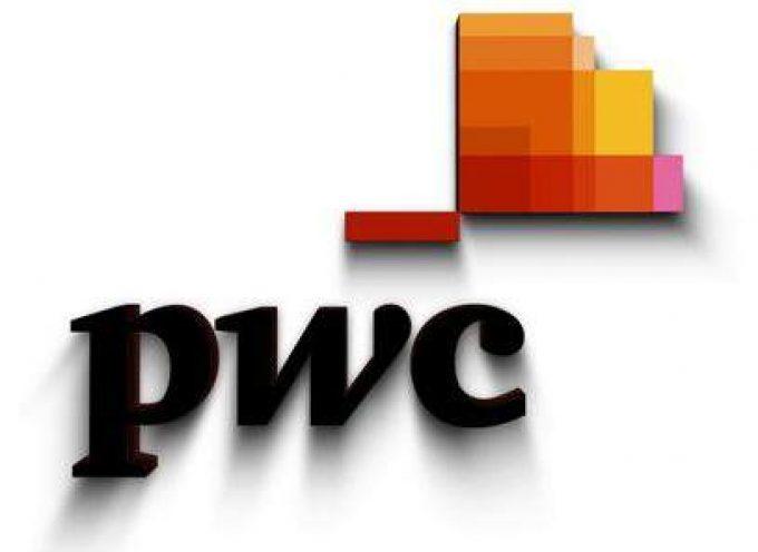 PWC tiene previsto contratar recién licenciados. Ofertas de trabajo.