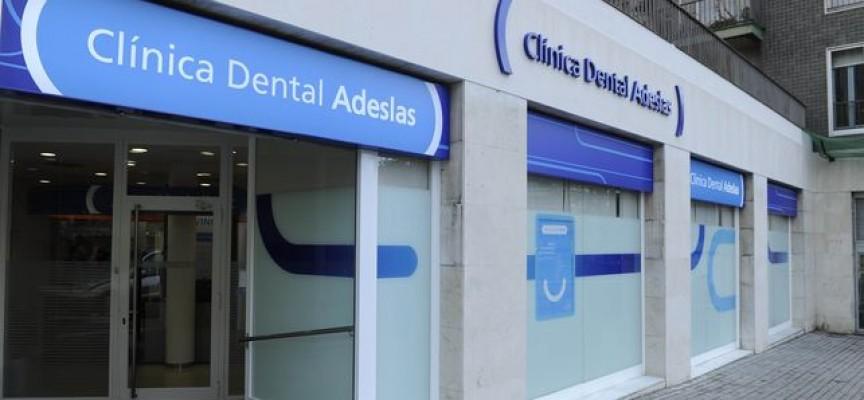 Adeslas lanza 11 ofertas de empleo para sus clínicas dentales. Diferentes localidades.