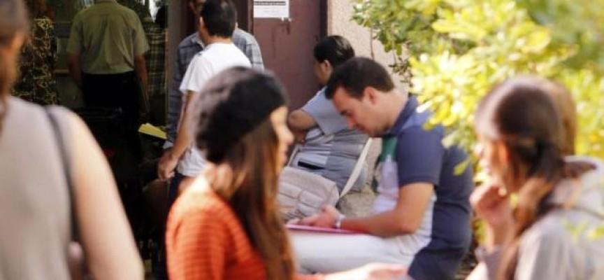 """La Junta y CCM destinan 30.000 euros para """"Empleared. Empleo Joven en la red"""""""
