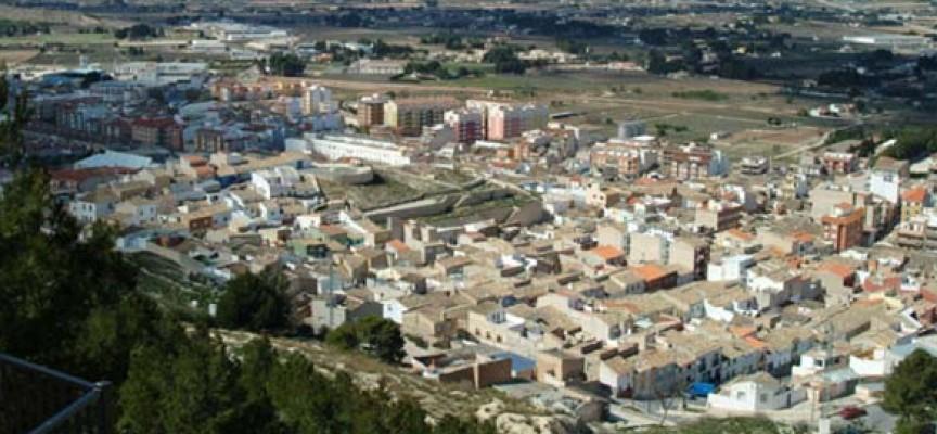 Más de un centenar de estudiantes universitarios analizan en Yecla los proyectos económicos de la ciudad
