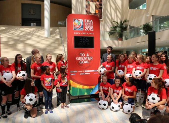 La FIFA busca periodistas y presentadores