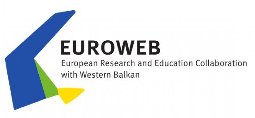 Abierta la convocatoria de las becas Erasmus Mundus EUROWEB +. Hasta el 15 de febrero