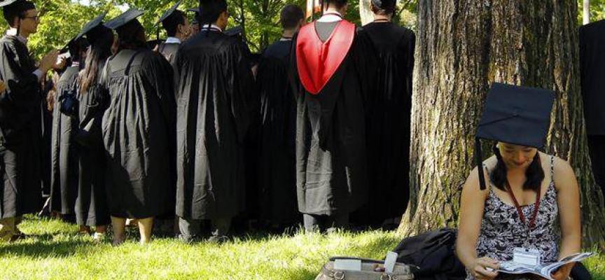 20 páginas para encontrar becas de formación y empleo en España y el extranjero