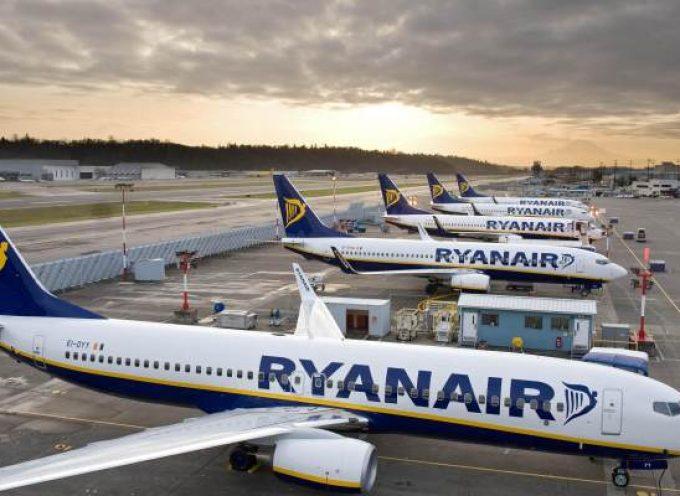 Ryanair busca tripulantes de cabina en Sevilla, Barcelona, Madrid y Málaga.