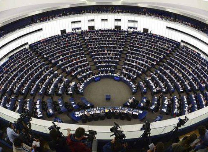 Prácticas en el Parlamento Europeo: universitarios en general y periodistas. Hasta el 15 de mayo