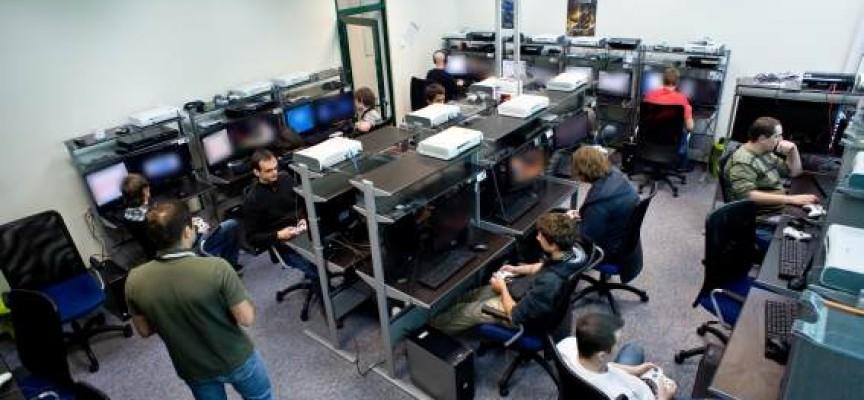 Una empresa polaca ofrece empleo a testers de videojuegos que dominen inglés y español