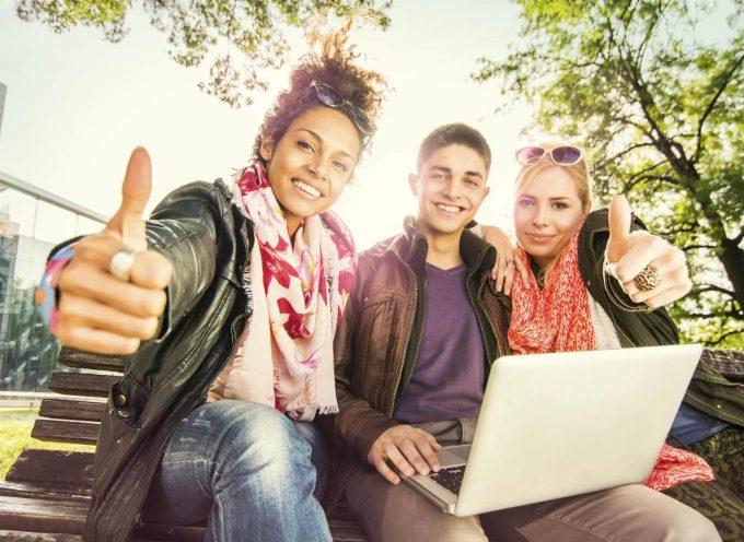 Nueva web donde buscar becas para tus estudios en la U.E. 12.320 programas de becas.