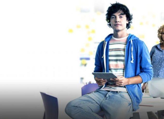 Conviértete en estudiante y fórmate gratis como experto digital.