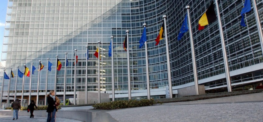 La Comisión Europea pone en marcha un plan para la inserción de 100.000 jóvenes en Europa