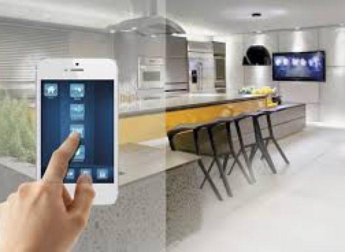Casas inteligentes con sensores que facilitan la asistencia sociosanitaria a personas mayores