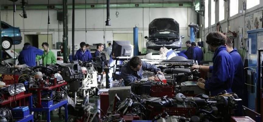 Renault España facilita la formación y el empleo de universitarios, alumnos de FP y jóvenes en paro