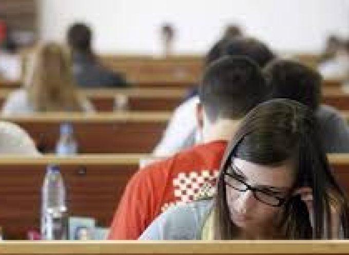 Becas de formación y empleo para 2016: inscríbete antes de que termine 2015