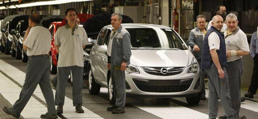 Opel tiene previsto contratar a 300 personas más en su planta de Figueruelas durante 2016