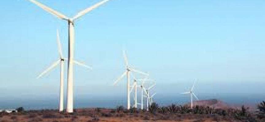 La construcción de 37 parques eólicos crearán cientos de empleos en Canarias.