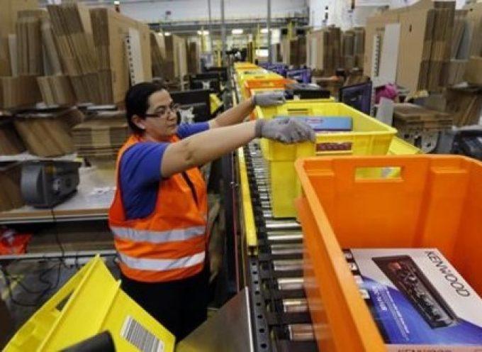 Amazon incorporará esta Navidad a 1.000 personas en su almacén de San Fernando de Henares (Madrid)