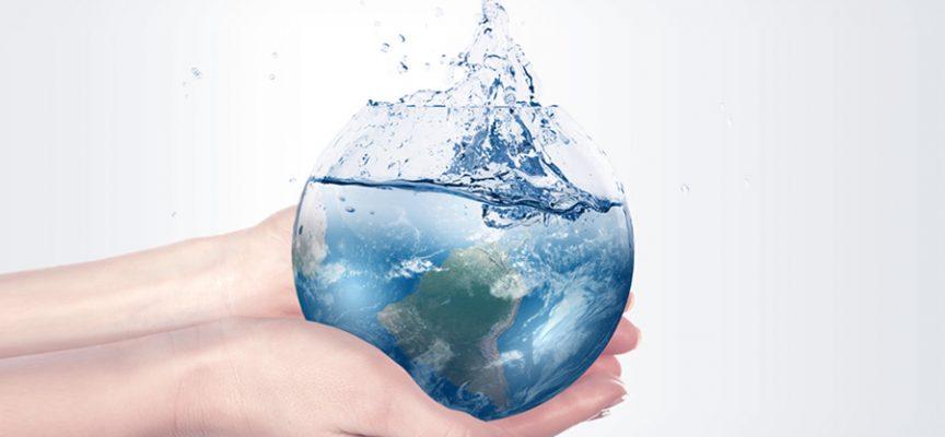 Beber agua puede hacerte más productivo en el trabajo