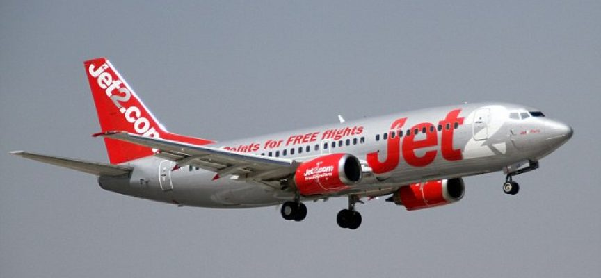 La aerolinea inglesa Jet2.com ofrece trabajo a pilotos, tripulantes de cabina e ingenieros