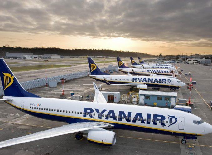 Ryanair busca Auxiliares de Vuelo en Granada, Málaga, Sevilla, Valencia