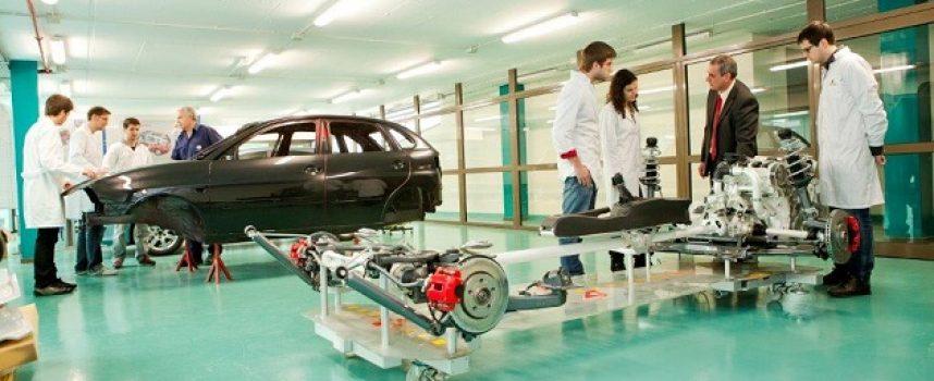 SEAT contratará a 250 empleados más por el incremento de la producción en la planta de Martorell