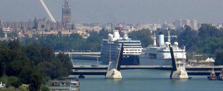 El SAE gestionará las ofertas de empleo del Puerto de Sevilla