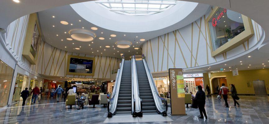 Varias empresas buscan personal para trabajar en el CC Rio Shopping #Valladolid