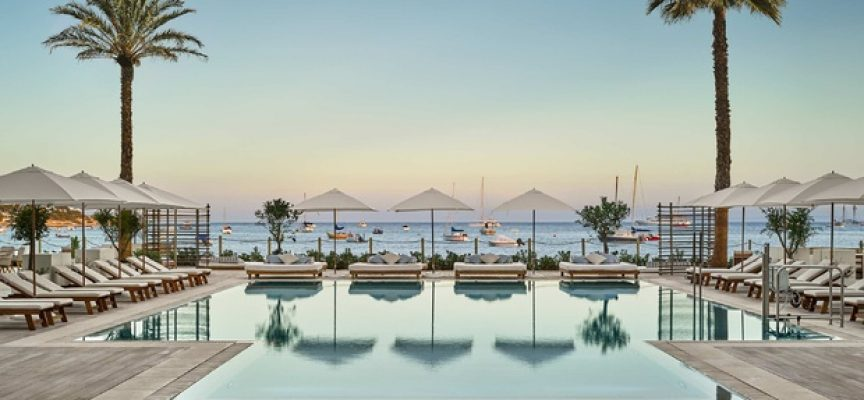 PERSONAL PARA HOTEL EN IBIZA. 100 Vacantes