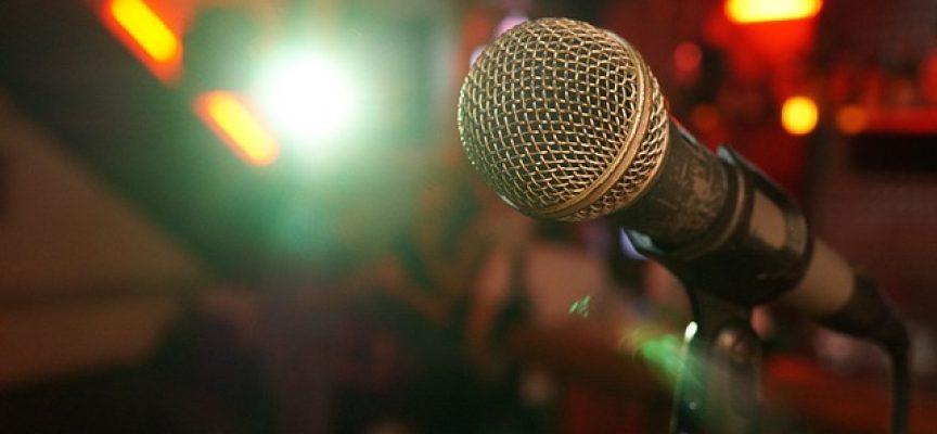 Deja de escribir y usa tu voz para dictar y hacer las cosas