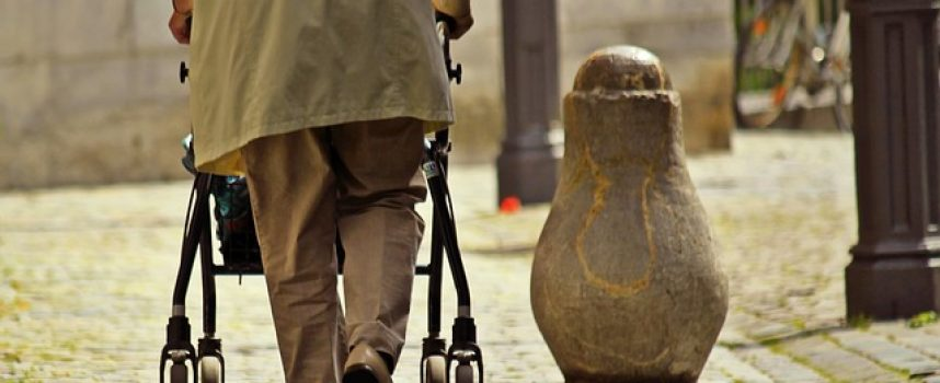 300 puestos de trabajo para atender a la dependencia en Badajoz